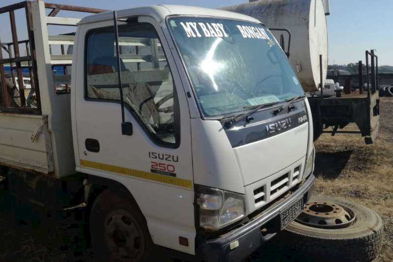 Trucks for Stripping Isuzu Body