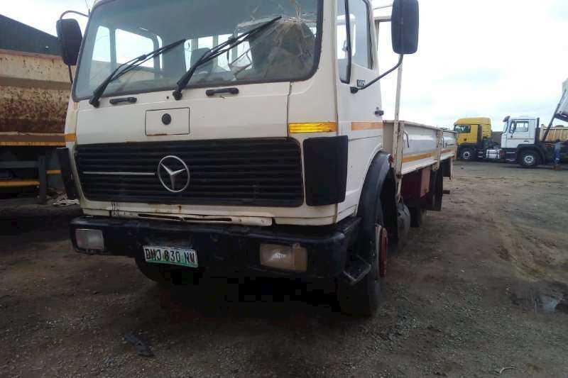 Trucks for Stripping Mercedes Benz Body