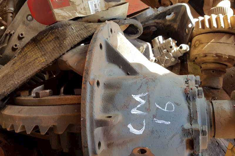 Rear Axle Differential Housing Halves Nissan Axles