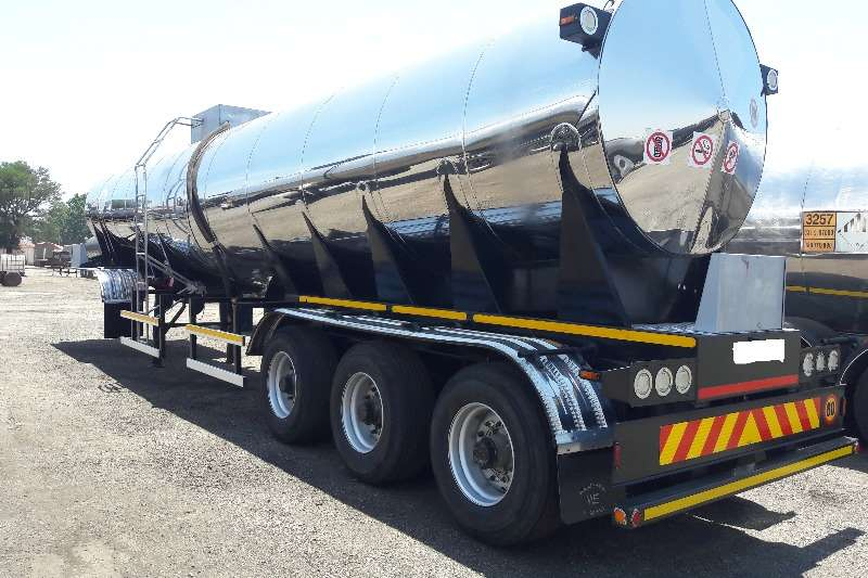 Used Tri Axle 30 000LT 316 Cladded Available