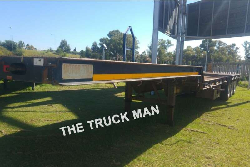 Motor Trail TRIAXLE STEPDECK TRAILER