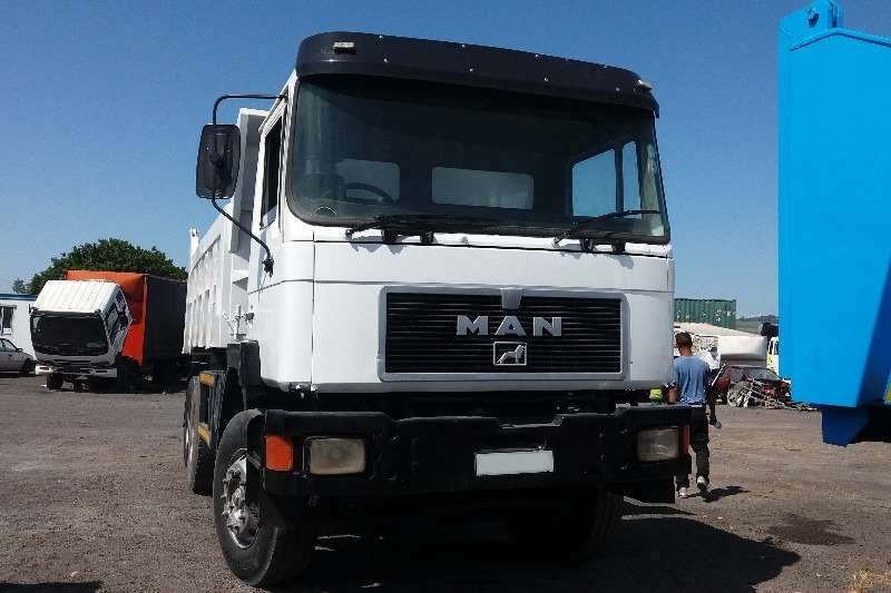 MAN 26-352 10 cub tipper