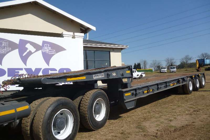 UBT Lowbed Trailer With Tail Ramps