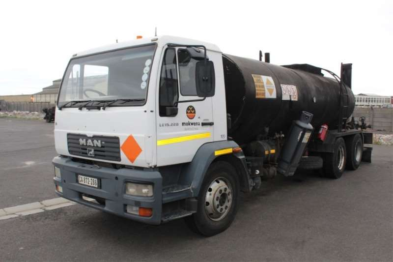MAN LE 15.220 6x2 Extended Chassis Tanker
