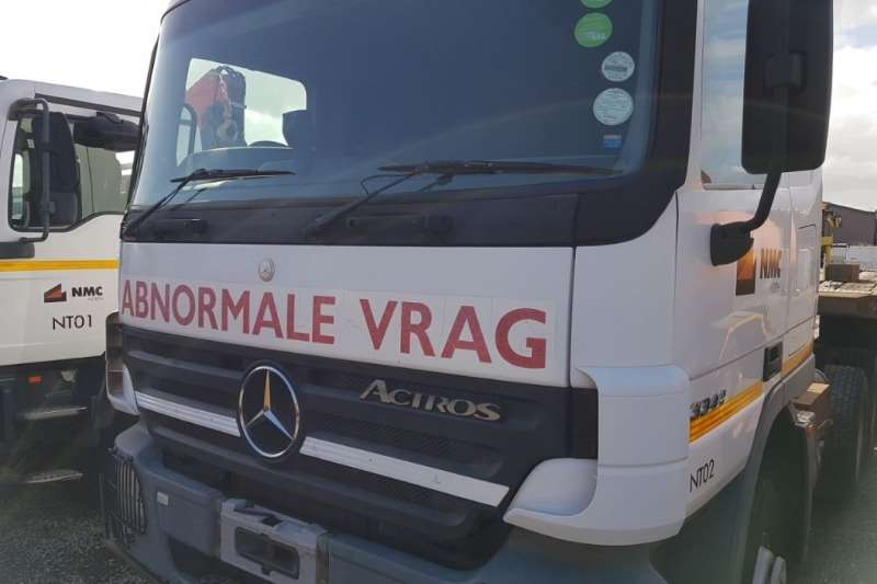 Mercedes Benz Actros 3344 6x4 Horse with Winch