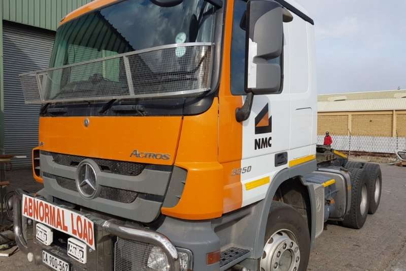 Mercedes Benz Actros 3350 6x4 Horse with Winch