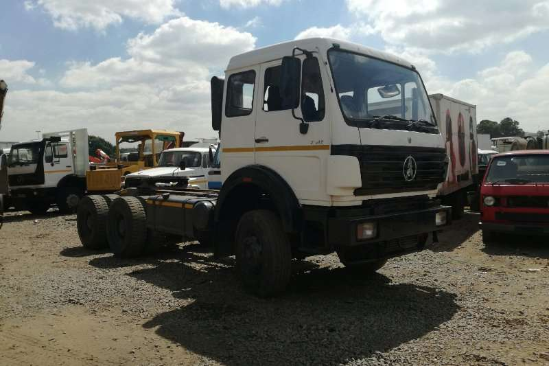 AMC Chassis cab Powerstar 2642 Truck Tractor 6x4 with Hydraulics Truck
