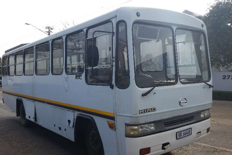 Buses Hino 40 Seater 2002