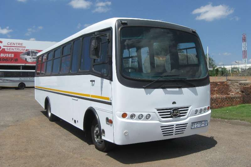 Buses Nissan 32 Seater ud60 0