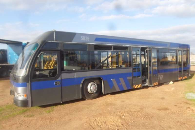 Buses Other Personal Carrier Cobus 2700 0