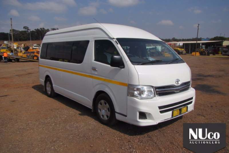 Buses Toyota TOYOTA QUANTUM GL VVTI 0