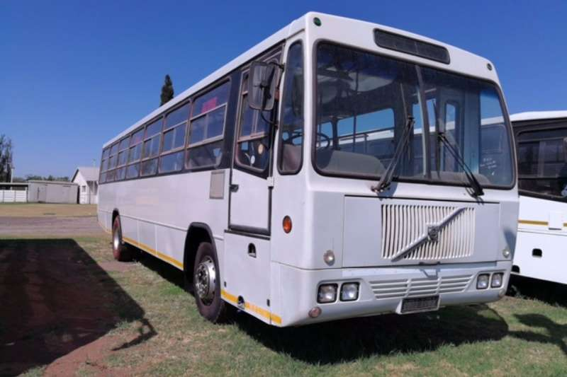 Buses Volvo 65 Seater B7 2000