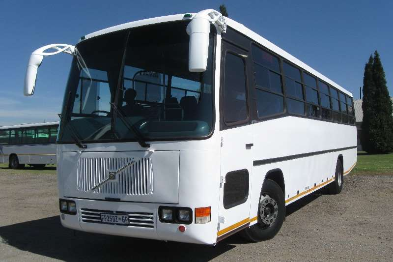 Buses Volvo 65 Seater B7F 2000