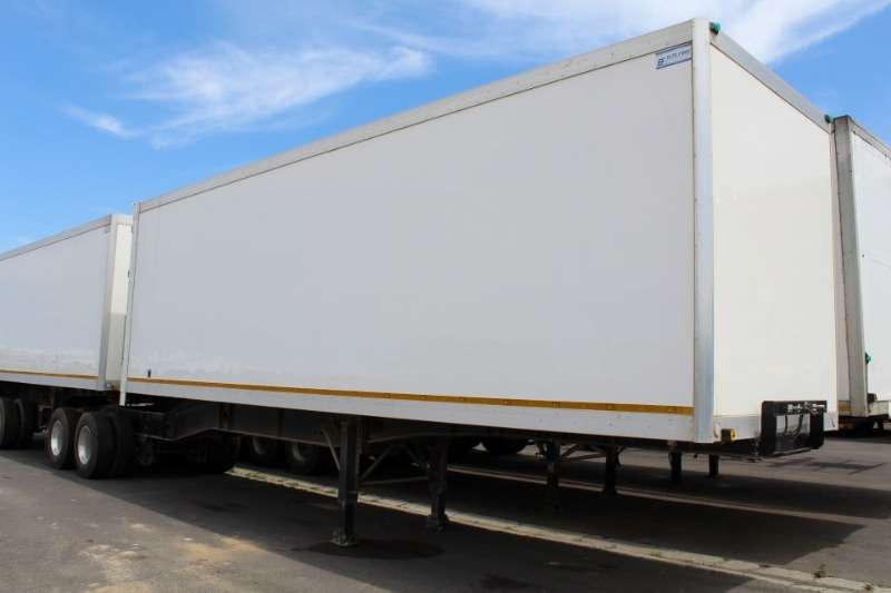 CTS Trailers Closed Body Inter Link Front and Rear 2017