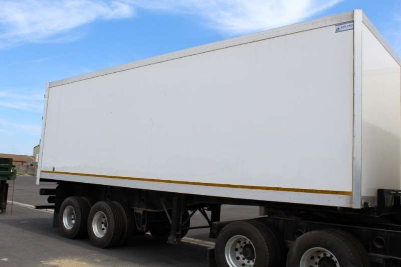 CTS Closed Body Inter Link Front and Rear Trailers