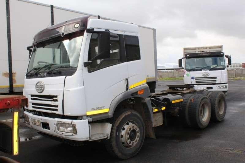 FAW 28.380FT 6x4 Horse Truck