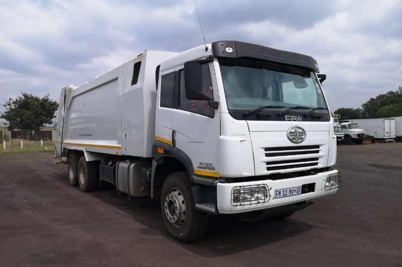FAW Truck Compactor FAW CA28330 FLS TURBO 19 CUBE DUSTBIN COMPACTOR 2016