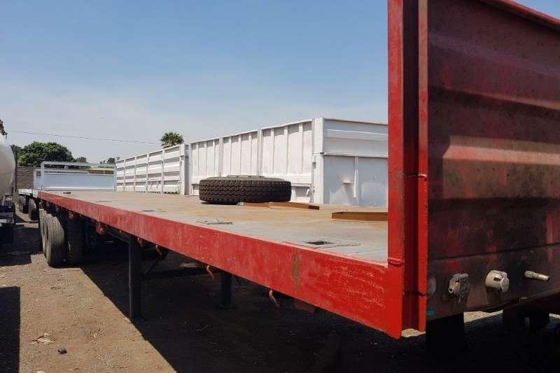 Flat Deck Tri-axle Trailer