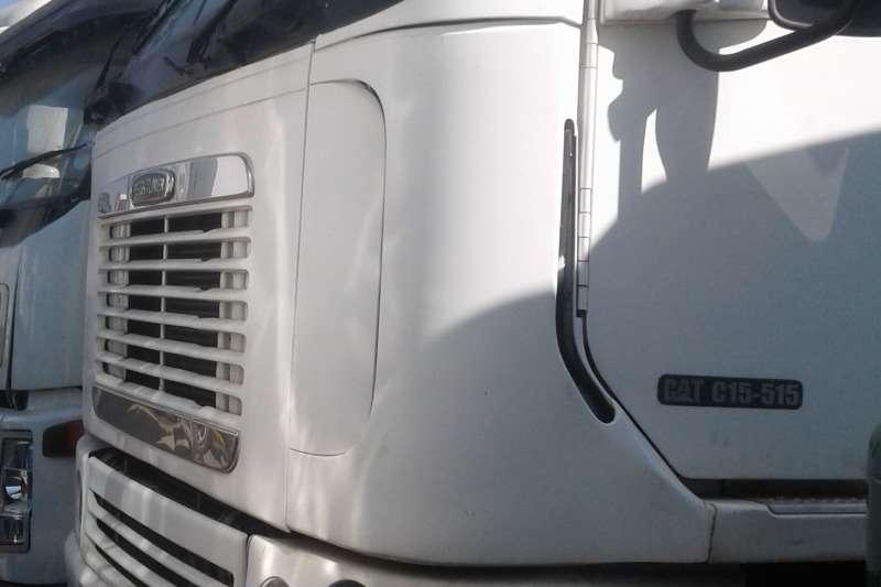 Freightliner Double axle Argosy 90 CAT 440 Truck-Tractor
