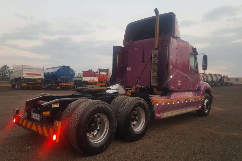 Freightliner FREIGHTLINER COLUMBIA 120 Truck-Tractor