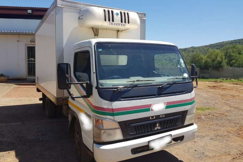 8122532cbf refrigerated in Fridge truck in South Africa