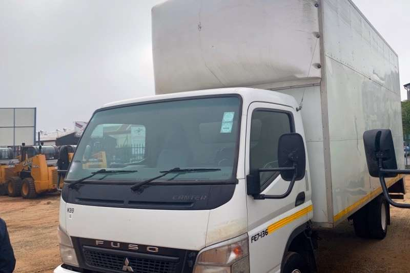 Fuso Truck Volume Body CANTER FE7-136 2010