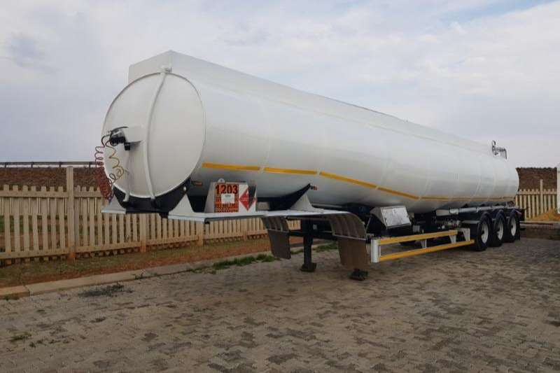 GRW Fuel tanker 7 COMPARTMENT TRI AXLE 40 000L Trailers