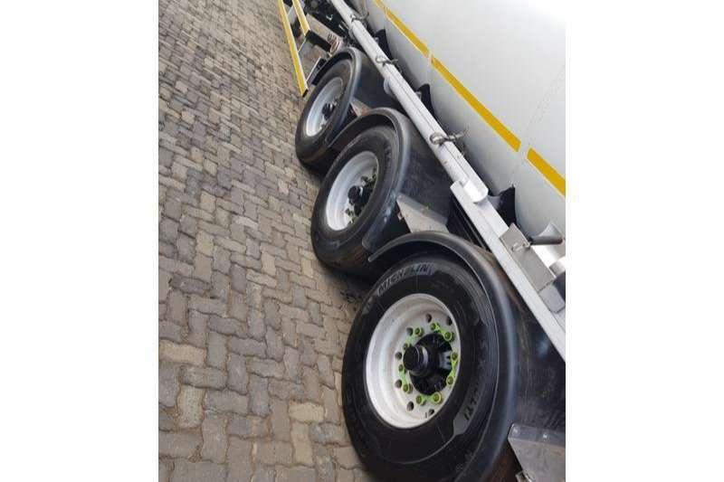 GRW Fuel tanker 8 COMPARTMENT TRI AXLE 50 000L Trailers