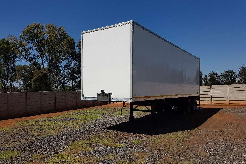 Hendred 10m double axle with tail lift