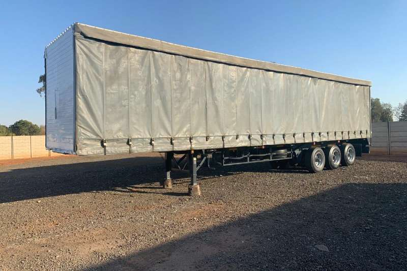 Hendred Trailers Curtain Side 14m tri axle 1993