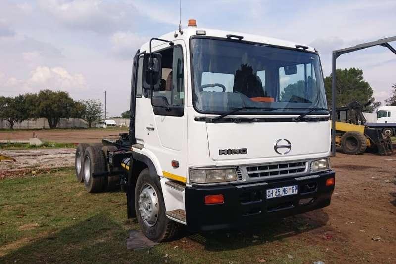 Hino Chassis cab Hino provia 2x axle Truck