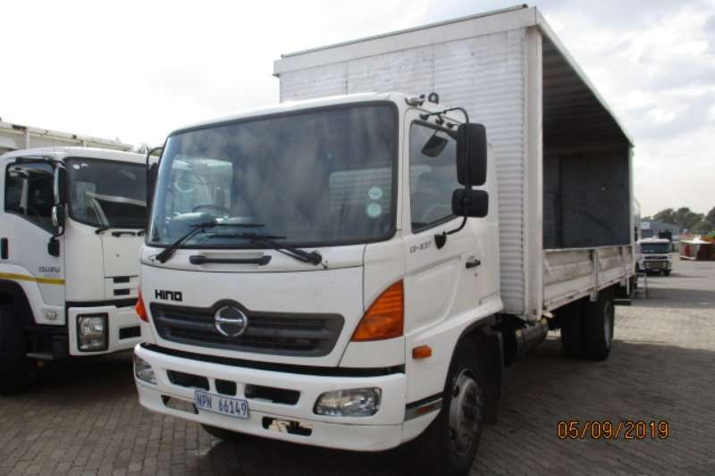 Hino Curtain side HINO 13 237 TAUTLINER WITH DROPSIDES Truck