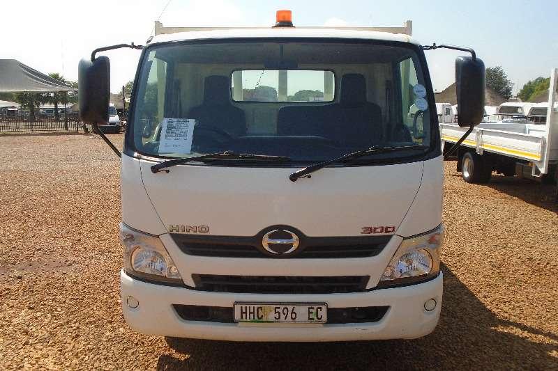 Hino Dropside 300 814 DROPSIDE 4.5TON Truck