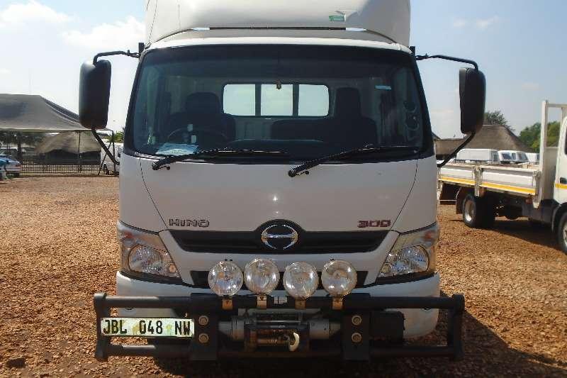 Hino Dropside 4.5TON DROPSIDE 300 815 Truck