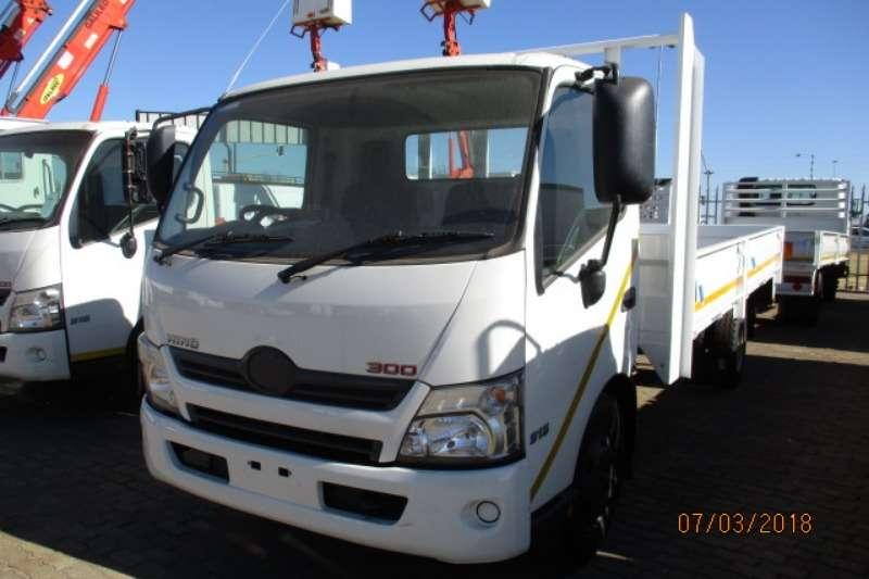 Hino Dropside HINO 300 915 DROPSIDE Truck