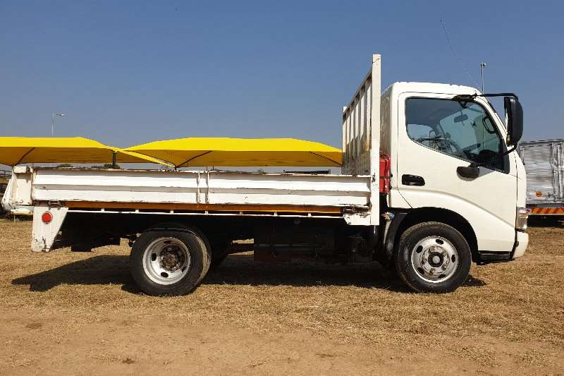 Hino Dropside Hino 614 with 4m Dropside Body Truck