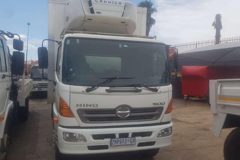 Hino Fridge truck 1626 Truck