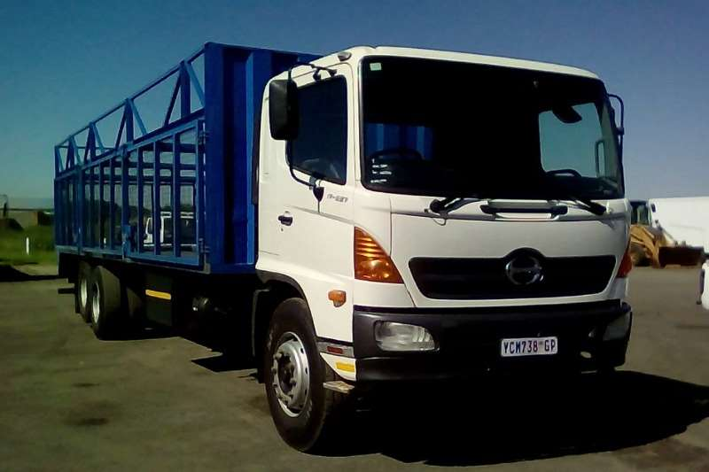 Hino Other HINO 500 17 257 CAGE BODY Truck