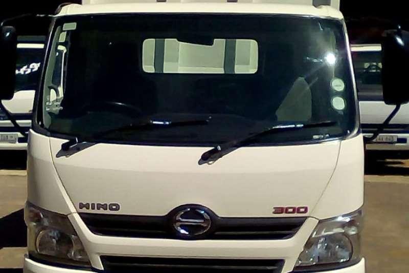 Hino Tipper HINO 300 815 C/C SWB A/T F/C 3 CUBE TIPPER Truck
