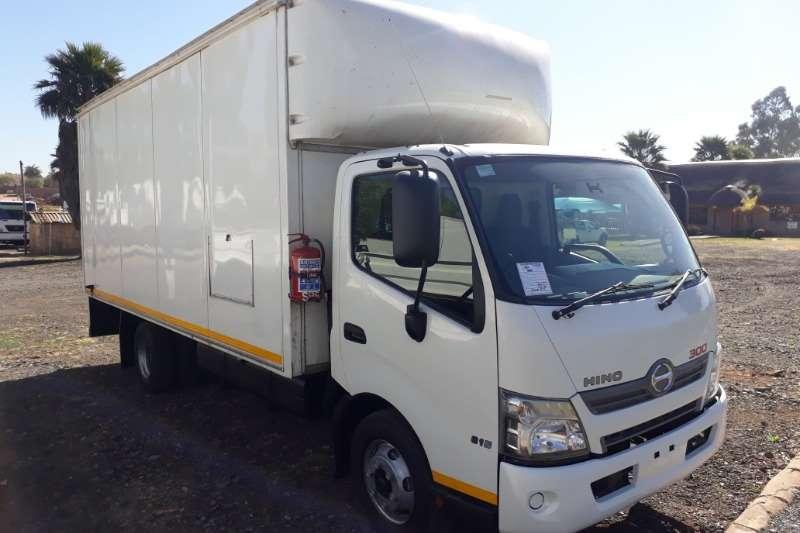 Hino Volume body 300 815 Volume Body Truck