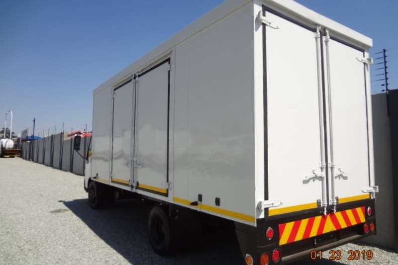 Hino Volume body Hino 300 915 Truck