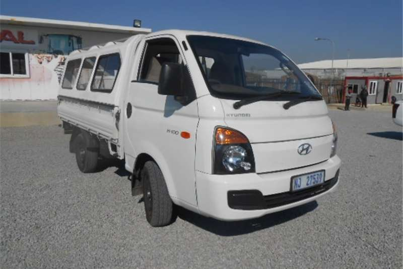 Hyundai H-100 2.6D Drop Side with Canopy