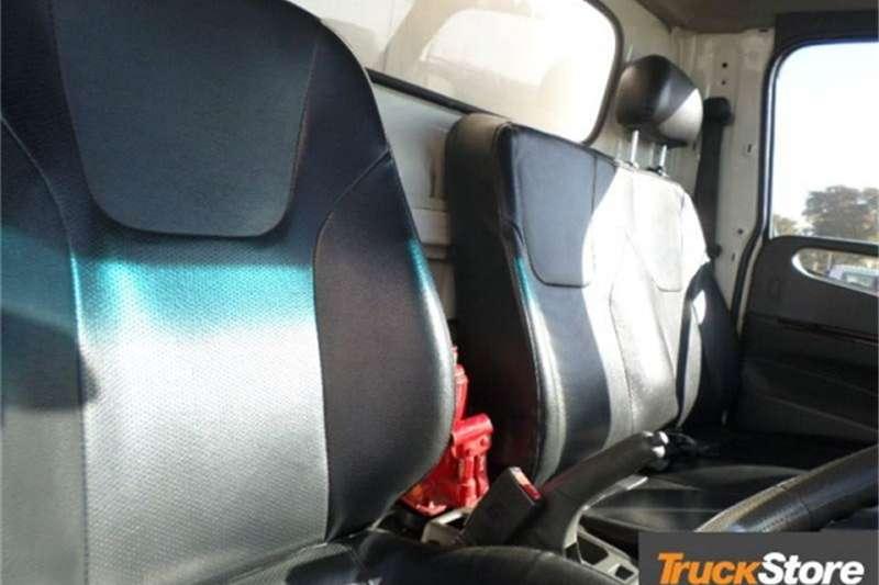 Hyundai D65 VAN BODY Truck