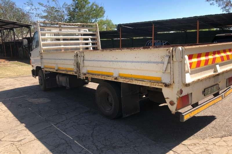 现代下降侧4吨HD72卡车