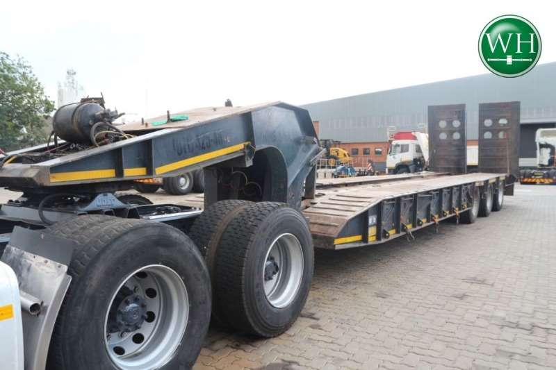 Ilcor Tri Axle Break Neck Low Bed with Rear Ramps