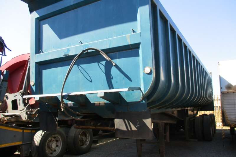 Inline Tri Axle Copelyn 32m Trailers