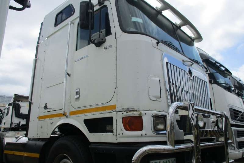 International 9800i  Pro Sleeper Truck