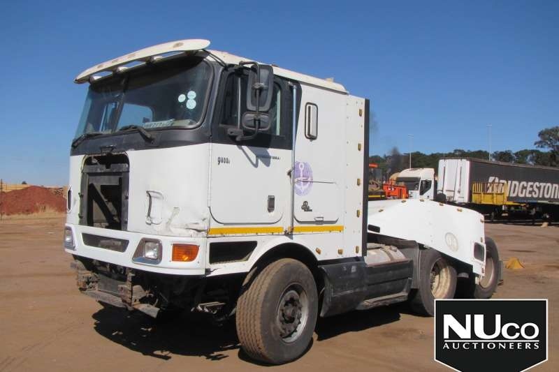 International Truck-Tractor 9800I PRO SLEEPER 6X4 HORSE - NON RUNNER 2008