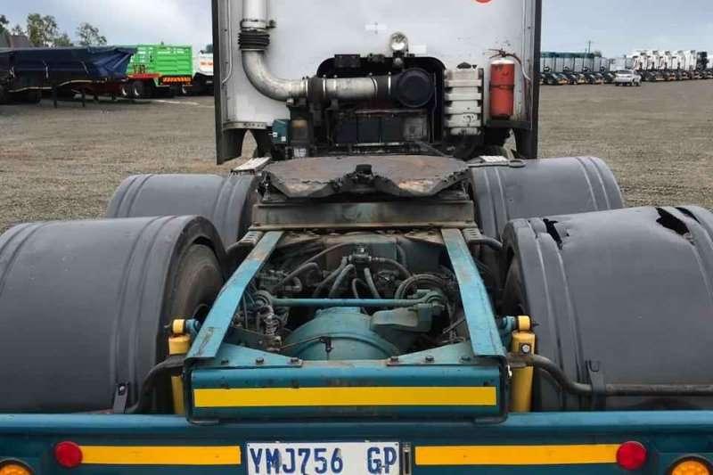International Double axle 2009 International 9800 Truck-Tractor