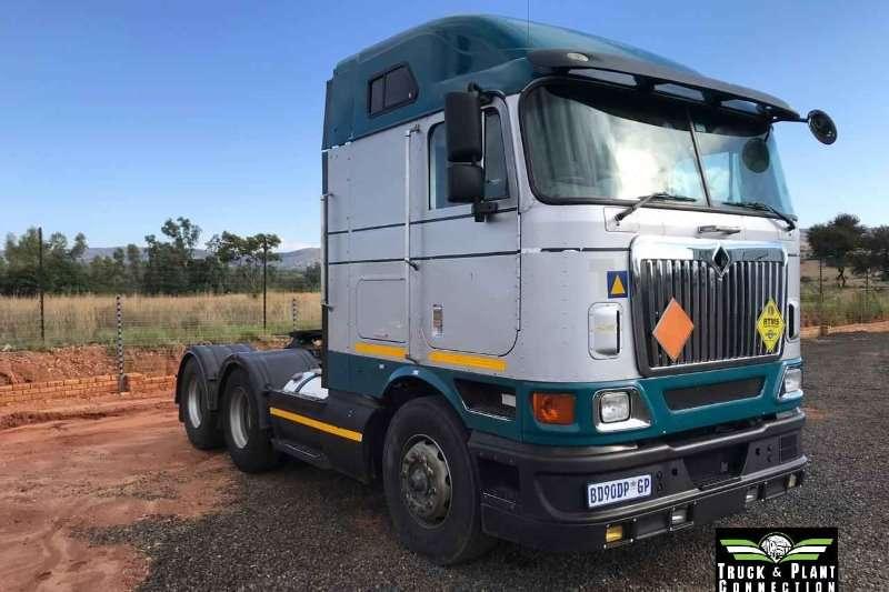 International Double axle 2011 International 9800i Midroof Autoshift Truck-Tractor